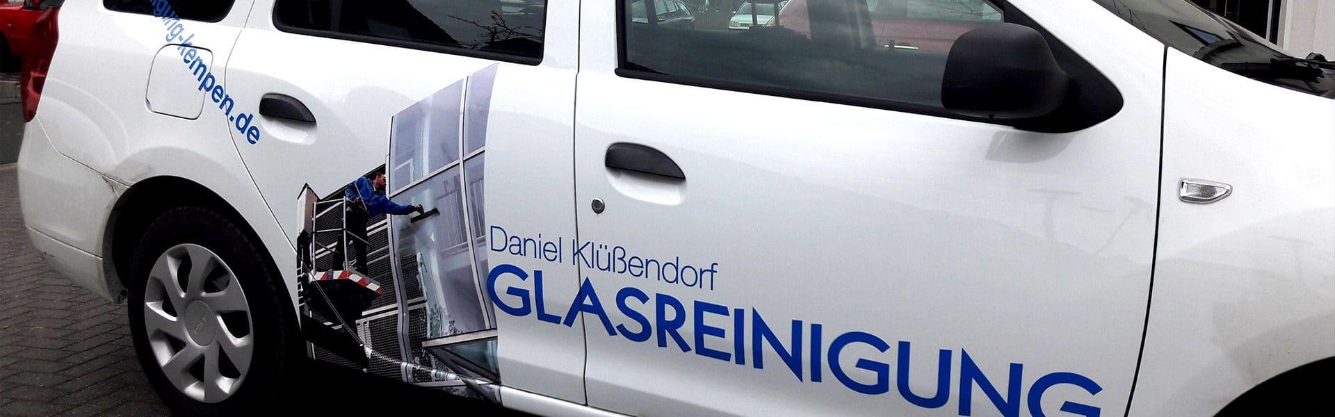 Firmenfahrzeug der Firma Klüßendorf