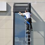 Glasreinigung per Leiter