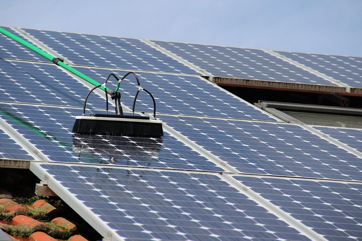 Reinigung Solar- Fotovoltaikanlage